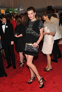 Met gala  milla jovovich Marni