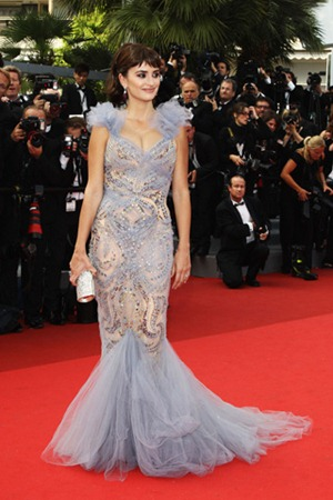 64th cannes film festival penelope cruz marchesa (1)