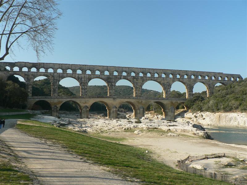 Nimes bridge