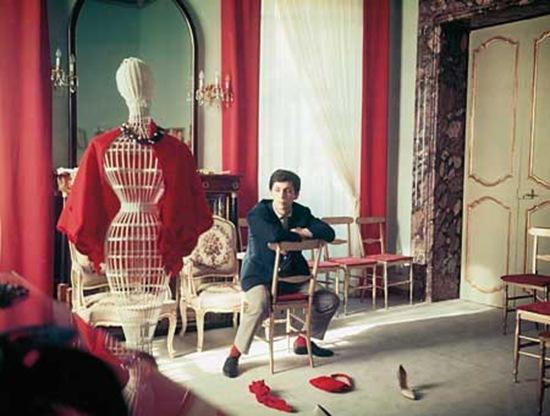 valentino-story-taschen12