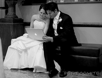 bride-and-groom-watching-their-same-day-wedding-slideshow-01