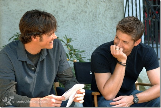 Jared-and-Jensen--supernatural-463778_1199_797