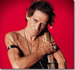 keith-richards-barechest-at-60
