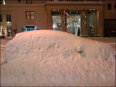 2011.01.30_CarStuckInSnow