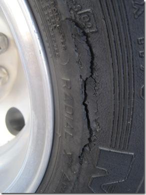 tire 001