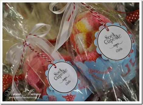 girls sock cupcakes