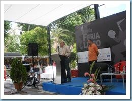 """Carlos Blanco Sanchez en la presentación de la Antología IV Premio de Poesía """"PLUMIER DE COLORES"""" Feria del Libro de Sevilla 23 mayo 2009"""