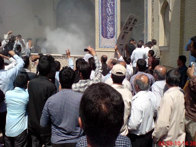 حمله شاگردان علی محمد سربی(دستغیب) از داخل مسجد به روزه داران عزادار