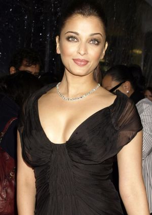 Aishwarya Rai Latest Hairstyles, Long Hairstyle 2011, Hairstyle 2011, New Long Hairstyle 2011, Celebrity Long Hairstyles 2210