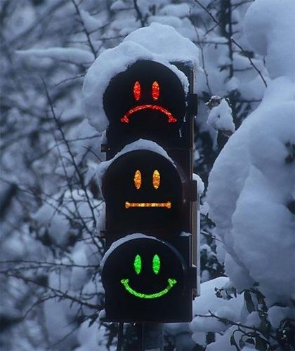 la nueva forma de mendigar en los semáforos