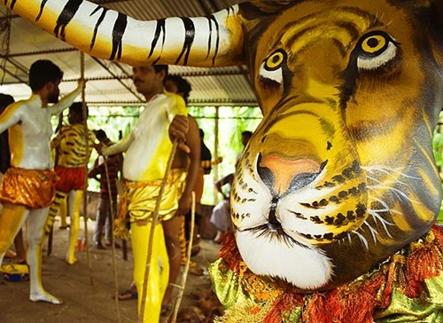 tiger-dance-india-onam-550jk082908