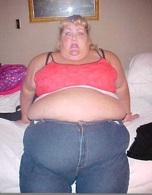 fat-woman-zipping-up-pants-2