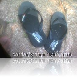 sandal-pantai
