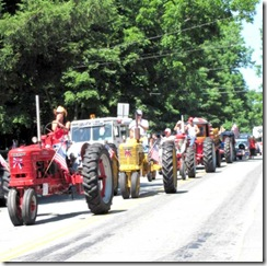 4th july parade tractors