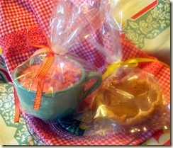 Thanksgiving_TieOneOnDay Delivery (Medium)