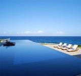 casas-en-la-playa-con-piscina