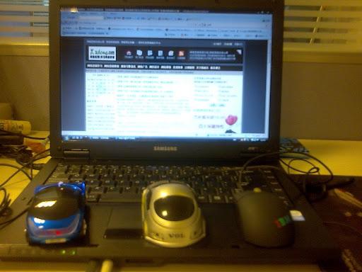 依次是法拉利鼠标、沃尔沃鼠标、IBM鼠标及我的SAMSUNG笔记本 背面