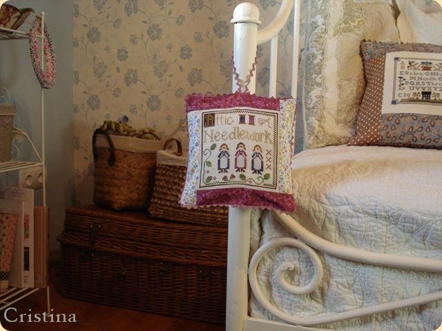 attic needlework de lhn terminado en cojin de lavanda
