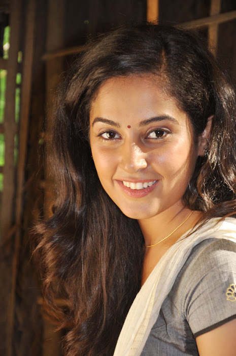 disha pandey on location actress pics
