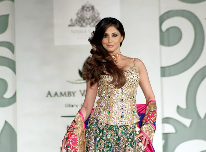 urmila matondkar rfor bridal fashion week actress pics