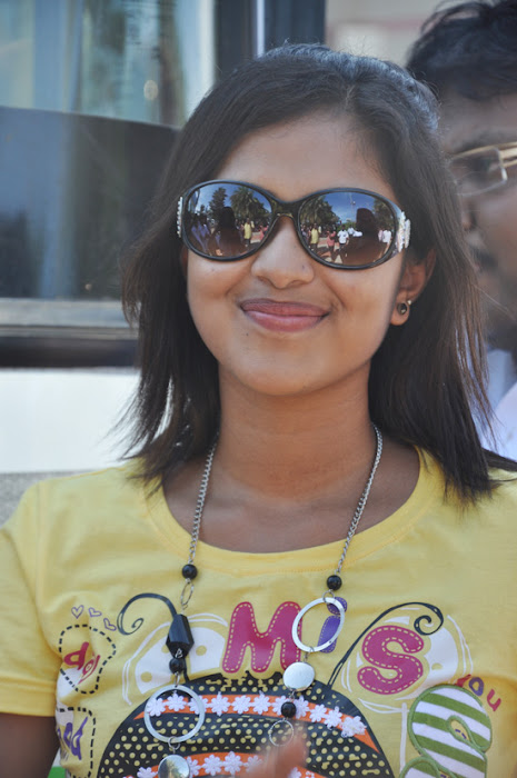 amala paul at mynaa bus event latest photos