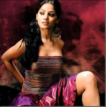3neetu-chandra sexy bollywood actress pictures 220210