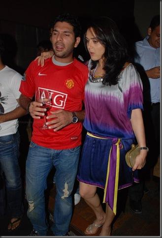 Preity Zinta - Yuvraj Singh Party (1)