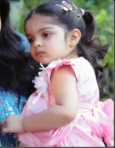 anoushka-ajith-kumar-shalini-latest-photos-07