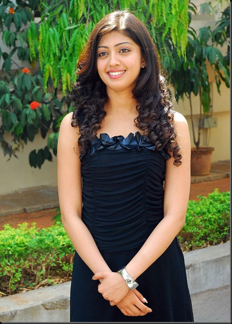 praneetha-hot-latest-(5)