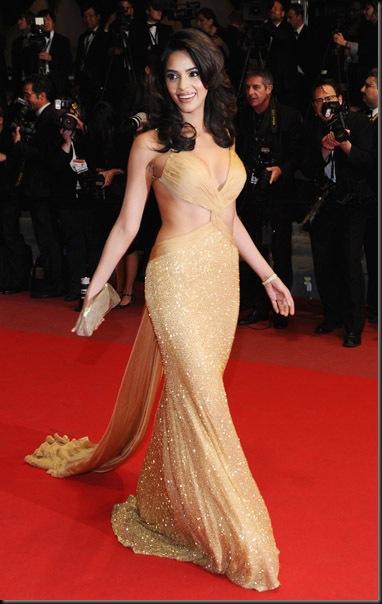 Mallika-Sherawat-at-Cannes