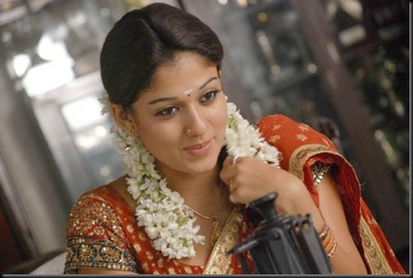 nayanthara-in-saree-adhavan-nayanthara-pics_w500_h335
