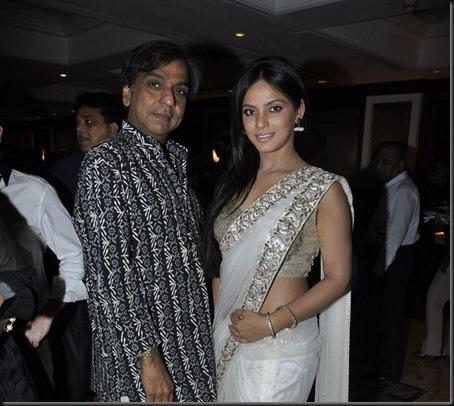 Neetu Chandra at Neeta Lulla-ING Vyasa card launch4