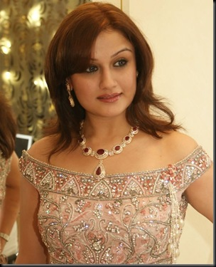 Sonia Agarwal latest stills photos gallery videos (2)