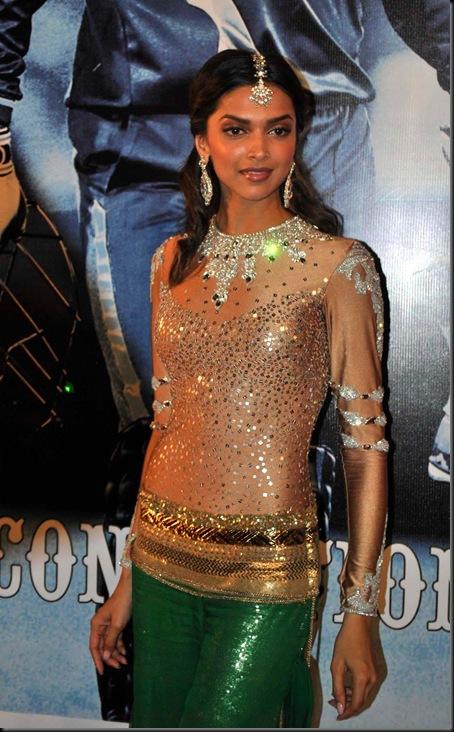 Deepika-Padukone-at-Sahara-Indian-Sports-Awards