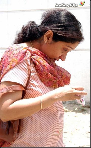 Film Industry Bids Adieu To Chitra's Daughter7
