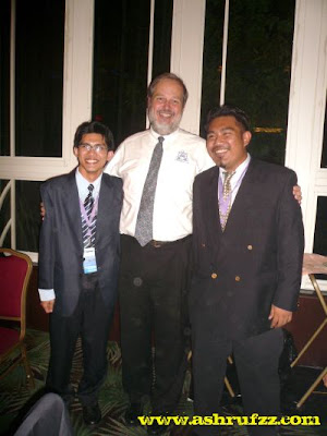 Taking a picture with Mr Bruce K. Forbes, ARCHIBUS founder