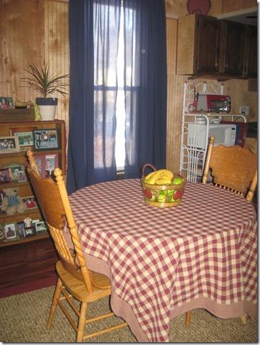 kitchen table 001
