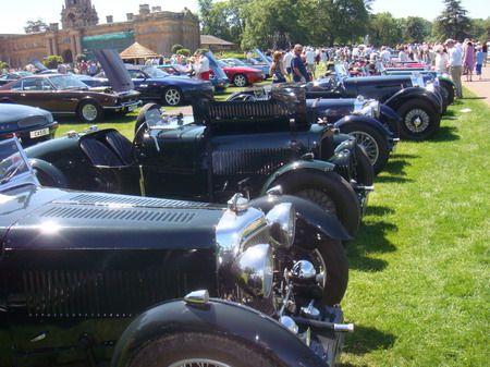 Exposição de automóveis antigos em Blenheim Palace