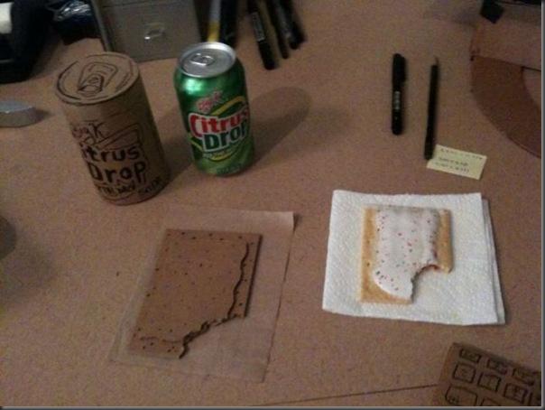 Replicas divertidas de papelão (30)