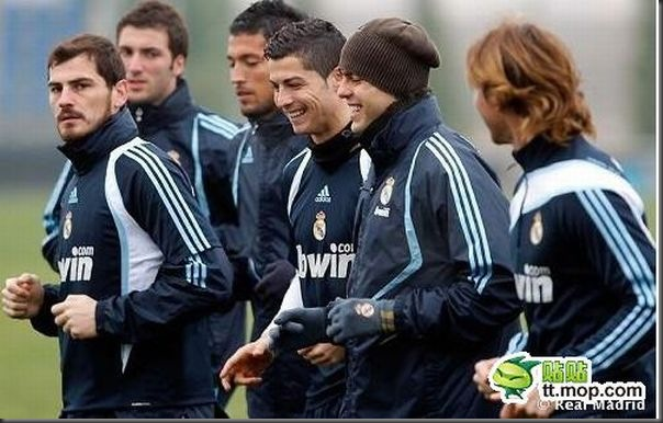A bela amizade de Cristiano Ronaldo e Kaká (20)