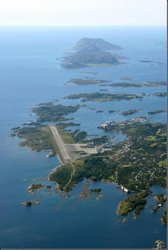 Vista aérea de pistas de aeroportos (19)