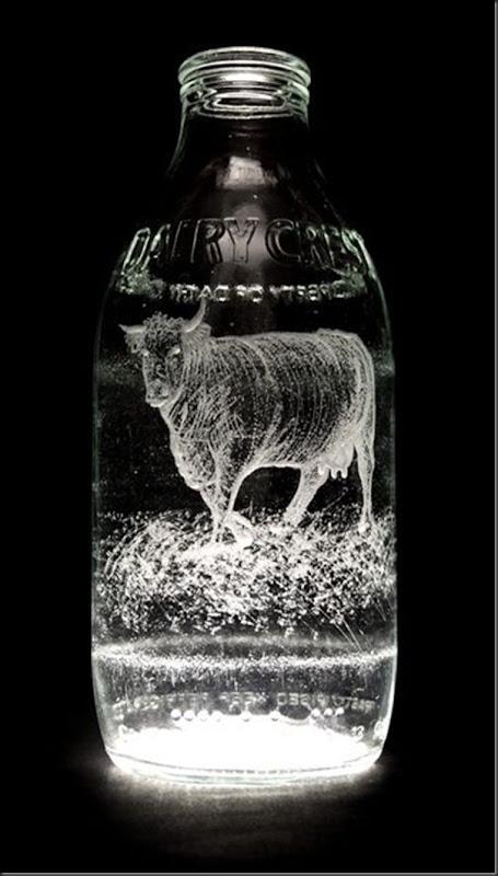 Arte na garrafa de leite por Charlotte Hughes-Martin (3)
