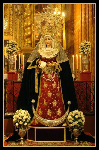 Besamanos a María Stma. del Rosario en sus Misterios Dolorosos