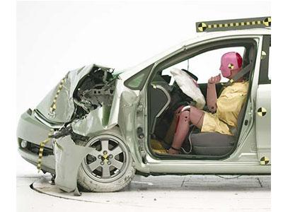 Crash test Toyota Prius