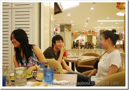 Amber, Joon Fai, HuiJin :)