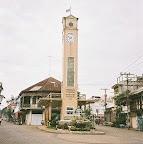 タイ旅行記|東北タイ イサーン :ナコンパノムのシンボル・時計台