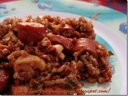 arroz-vermelho-com-linguiça-da-roça