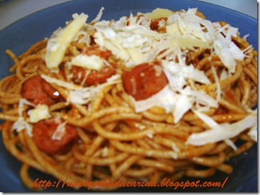 espaguete-de-calabresa