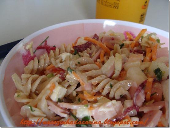 saladinha-fresca-de-macarrão