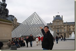 Bob touching the Louvre, sort of